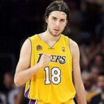 Los Angeles Lakers' Sacha Vujacic traded to the Nets