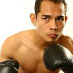 Filipino star Donaire signs De la Hoya deal