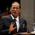 President Aquino helps lawyers get guns