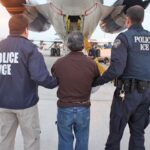 Immigrant groups urge Obama to halt deportations