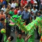 Dancers perform a dragon dance in Manila's Chinatown during Lunar New Year celebrations. ©AFP PHOTO / NOEL CELIS