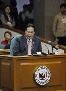 Philippine Supreme Court Chief Justice Renato Corona testifies in his impeachment trial in the Senate in Manila May 22, 2012. Corona testified on Tuesday after he was accused of failing to disclose several bank accounts containing millions of pesos, and real estate properties in his Statement of Assets, Liabilities and Net worth (SALN). REUTERS/Erik De Castro (PHILIPPINES - Tags: POLITICS CRIME LAW BUSINESS)