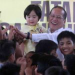 Aquino signs law on biometrics voter registration