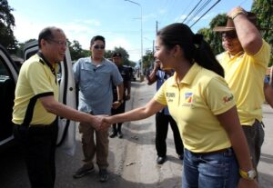 President Benigno S. Aquino III is received by Liberal Party (LP) Negros Oriental Gubernatorial candidate 1stDistrict Representative Josy Limkaichong, Vice Gubernatorial candidate Mark Macias, 2nd District Congressional candidate Bais City Mayor Karen Villanueva, 1st District Congressional candidate Manuel Iway and 3rd District Congressional candidate Marcelo Adanza, upon arrival for the Meeting with Local Leaders and the Community at the Bais City Football Field in Bais City, Negros Oriental on Thursday (April 18, 2013). LP was founded on January 19, 1946 by Manuel Roxas, the first President of the Third Philippine Republic. (Photo by: Ryan lim/ Malacañang Photo Bureau).