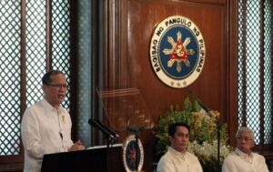 President Benigno S. Aquino III delivers his speech during the Ceremonial Signing of Land Lease Agreement between PHIVIDEC Industrial Authority (PIA) and FDC Misamis Power Corporation at the President's Hall, Malacañan Palace on Wednesday (April 17, 2013). The land is being leased for construction of a circulating fluidized bed (CFB) coal-fired power plant is expected to generate an initial 270-megawatts and targeted to operate early 2016. In photo are PIA administrator and vice chairman of the board Leo Tereso Magno and Defense Secretary Voltaire Gazmin. (Photo by: Lauro Montellano, Jr. / Malacañang Photo Bureau).