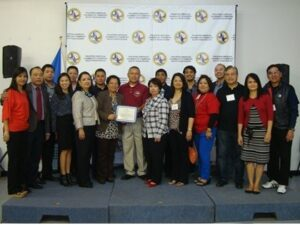 Consul Charmaine Serna-Chua, Tess Tuazon, Consul General Maria Hellen Barber De La Vega, Atty. Gary Ilagan and Ms. Ethel Mercado with members of the Consular Outreach Team and members volunteers of PACC Texas Region Chair.