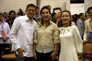Top 3 Senators, neophyte Senator Grace Poe(right) Senator Loren Legarda(center)and Senator Chiz Escudero pose during proclamation of the (6) Initial Senators out of 12 on Thursday night May 17,2013 at the PICC in Pasay City. (MNS photo)