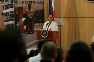 "President Benigno S. Aquino III delivers his message during the ceremony of the Pambansang Kongreso ng Wika at the Leong hall,Ateneo de Manila University(ADMU) in katipunan ave. q.c. with Theme ""WIKA NATIN ANG DAAN MATUWID  . (MNS Photo)"