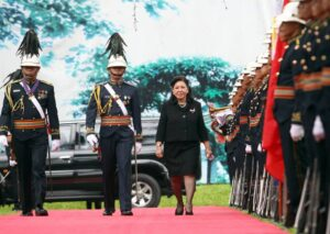Sovereign Military Order of Malta (SMOM) Ambassador to the Philippines Her Excellency Odelia Gregorio Arroyo reviews the honor guards upon arrival at the Malacañan Palace Grounds for the presentation of credentials on Tuesday (August 27, 2013).  (MNS photo)