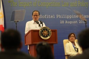 President Benigno S. Aquino III delivers his speech during the 8th East Asia Conference (EAC) on Competition Law and Policy at the Mindanao Ballroom, Sofitel Philippine Plaza in CCP Complex, Roxas Boulevard, Pasay City on Wednesday (August 28, 2013). EAC is an open event for key high-level officials of competition agencies in East Asia. EAC participants exchange ideas, views and experiences on emerging regional competition issues; and undertake to strengthen understanding and cooperation with regard to the implementation of competition policy and law across the region. In photo is Justice Secretary Leila de Lima. (MNS Photo)