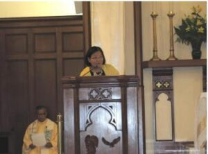 Consul General Maria Hellen Barber De La Vega addressing Fil-Am parishioners