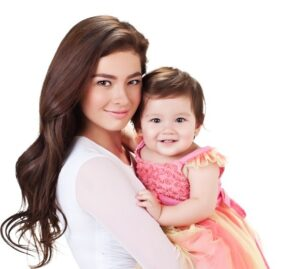Andi Eigenmann and daughter, Adrianna Gabrielle (MNS Photo)