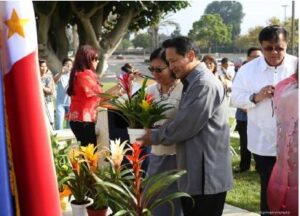 Photo above shows Consul General Maria Hellen Barber De La Vega and Deputy Consul General Daniel Espiritu with flower offering at the Jose Rizal Monument