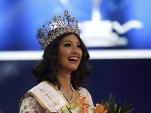 Philippines' Mutya Johanna Datul smiles during the awards ceremony after winning the Miss Supranational contest in Minsk, September 6, 2013. (MNS photo)