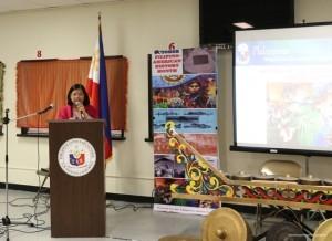 Consul General Maria Hellen Barber De La Vega addressing the audience.