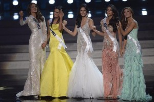 The finalists of the 2013 Miss Universe competition (from left) – Gabriela Isler, Ariella Arida, Patricia Yurena Rodriguez, Jakelyne Oliveira and Constanza Baez wait for the judges' decision in Moscow on November 9, 2013. (MNS photo)