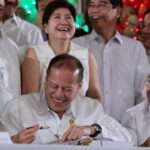 Aquino signs P2.265-T 'pork-less' budget for 2014