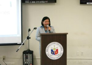 Consul General Ma. Hellen Barber De La Vega addressing the audience.