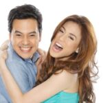 John Lloyd compares new sitcom to 'John en Marsha'