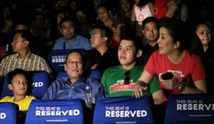 "President Benigno S. Aquino III with her sister Kris and sons Bimby and Josh celebrate the Christmas Day, Decemeber 25, 2013 by the watching ""My Little Bossings"" where his nephew James ""Bimby"" Yap Jr. and sister Kris Aquino are lead stars in the said movie. According to MMDA report, ""My Little Bossings"" leads the box office race in terms of ticket sales for the opening day. (MNS photo)"