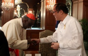 President Benigno S. Aquino III welcomes His Eminence Robert Cardinal Sarah, President of the Pontifical Council Cor Unum, during the Courtesy Call at the Music Room of the Malacañan Palace on Wednesday (January 29, 2014). (Photo by Lauro Montellano, Jr. / Malacañang Photo Bureau)