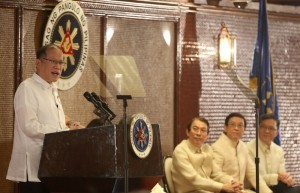 President Benigno S. Aquino III delivers his speech during Jollibee's Twin Milestone Celebration at the Heroes Hall of the Malacañan Palace on Tuesday (March 11). The Philippine's leading fast-food chain continues to expand its reach here and abroad. It recently celebrated two important milestones in its store expansion efforts – the opening of Jollibee's 800th store in the Philippines in Malaybalay City, Bukidnon and its 100th international store in Jubail, Kingdom of Saudi Arabia. Also in photo are JFC chairman and chief executive officer Tony Tan Caktiong, JFC chief operating officer Ernesto Tanmantiong and Jollibee Philippines president Joseph Tanbuntiong. (MNS photo)