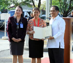 CELEBRATING WOMEN'S MONTH: Senator Nancy Binay, chair of the Social Justice Committee, lauds the dedication and perseverance shown by working women worldwide, especially those serving the public sector. Binay, who gave the inspiring message in celebration of Women's month during the Senate flag raising ceremony Monday morning, was awarded a certificate of appreciation by Senate Secretary Oscar Yabes (right) and Senate Legal Officer and Gender and Development (GAD) Focal Point chair, Atty. Valentina Cruz. (MNS photo)