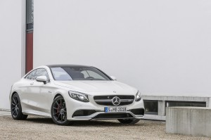 S 63 AMG Coupé: The car is capable of going from standstill to 100km/h in under 4 seconds. ©Mercedes-Benz