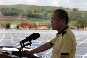 "President Benigno S. Aquino III, assisted by SACASOL's chairman Jose Maria ""Jomari"" Zabaleta and president Jose Maria ""Sech"" Zabaleta, Jr., leads the Ceremonial Switch-on of the San Carlos Solar Energy, Inc. (SACASOL) Phase I during the Inauguration Ceremony at the San Carlos Ecozone in San Carlos City, Negros Occidental on Thursday (May 15, 2014)."
