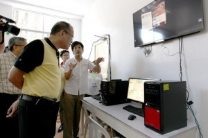 President Benigno S. Aquino III inspects the Fabrication Laboratory equipment during the Launching of the Bohol Fabrication Laboratory (FABLAB) Shared Service Facility (SSF) Project and the 1st FABLAB Asian Network (FAN1) Boot Camp and Conference at the Bohol Island State University (BISU) in CPG North Avenue, Tagbilaran City, Boholon Friday (May 02, 2014). FABLAB is a technical prototyping platform for innovation and invention, providing stimulus for local entrepreneurship. It is connected to a global community of learners, educators, technologists, researchers, makers and innovators – a knowledge sharing network that spans 50 countries and 24 time zones. FABLAB is the first of its kind in the country. (Photo by Benhur Arcayan / Malacañang Photo Bureau)