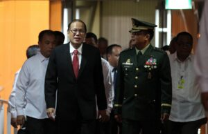 President Benigno S. Aquino III is escorted by AFP Vice Chief of staff Lieutenant General Gregorio Pio Catapang Jr. during the President's arrival at the Ninoy Aquino International Airport (NAIA) Terminal II on Tuesday night (June 24, 2014) after attending the Summit Meeting & Working Lunch with Japan Prime Minister Shinzo Abe in Tokyo. The President also attended the Consolidation for Peace for Mindanao Conference in Hiroshima organized by the Japan International Cooperation Agency (JICA) and the Research and Education for Peace of the Universiti Sains Malaysia. (MNS photo)