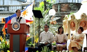 "President Benigno S. Aquino III delivers his speech during the commemoration of the 116th anniversary of the Proclamation of the Philippine Independence at the Plaza Quince Martires in Naga city, Camarines Sur on Thursday (June 12, 2014). This year's theme is ""Pagsunod sa Yapak ng mga Dakilang Pilipino, Tungo sa Malawakan at Permanenteng Pagbabago."" Also in photo are Interior and Local Government Secretary Manuel Roxas II, Camarines Sur 3rd District Rep. Ma. Leonor Robredo and National Historical Commission of the Philippines (NHCP) chairperson Maria Serena Diokno. (MNS photo)"