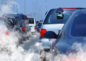 Generic: pollution of environment by combustible gas of a car , cars, traffic, jam, ©ssuaphotos/shutterstock.com