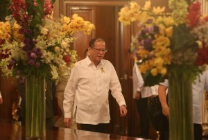 President Benigno S. Aquino III arrives for the oath taking of newly appointed generals of the Armed Forces of the Philippines (AFP), led by AFP Chief of Staff General Gregorio Pio Catapang, Jr., at the Rizal Hall of the Malacañan Palace on Monday (August 11). (MNS photo)