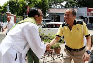 President Benigno S. Aquino III seen here being greeted by Rev. Fr. Othello Bartolome, Our Lady of Piat parish priest, during his visit to the Our Lady of Piat Basilica Menore in Piat, Cagayan last August 18 says  he has colds when asked to comment if he will take the Ice Bucket ChallePresident Benigno S. Aquino III seen here being greeted by Rev. Fr. Othello Bartolome, Our Lady of Piat parish priest, during his visit to the Our Lady of Piat Basilica Menore in Piat, Cagayan last August 18 says  he has colds when asked to comment if he will take the Ice Bucket Challenge. (MNS Photo)nge. (MNS Photo)