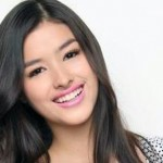 Liza thanks Pia Wurtzbach for flattering remark