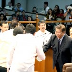 Drilon: Gov't body can stop SMC-PLDT-Globe telecom deal