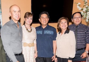 OC Fil-Am Chamber and Congen Cruz: The Filipino American Chamber of Commerce of Orange County extended a warm welcome to the newly installed Consul General Adelio Angelito Cruz at the Meet and Greet event at the Original Lapid Filipino Cuisine in Bellflower led by (from L-R): Current President Edwin Baloloy, former presidents Elena Salonga Lapid and Edith Andres (flanking Congen Cruz) and Faccoc Board member Andy Edralin.